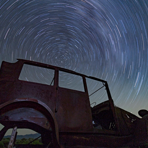 Star Wheel and Old Car 72p